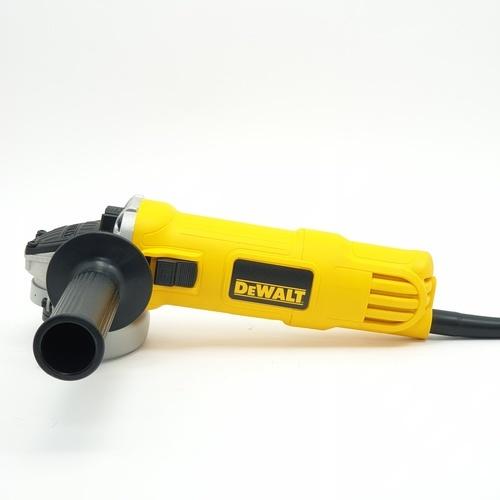 DeWALT เครื่องเจียร์ DWE8200S สีเหลือง