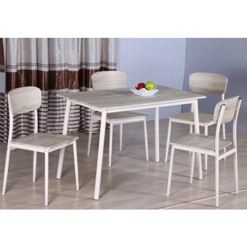 Delicato ชุดโต๊ะอาหาร 4 ที่นั่ง โต๊ะ:110X70X76.5ซม. เก้าอี้:41X45.5X84.5ซม. D01136R สีน้ำตาลอ่อน