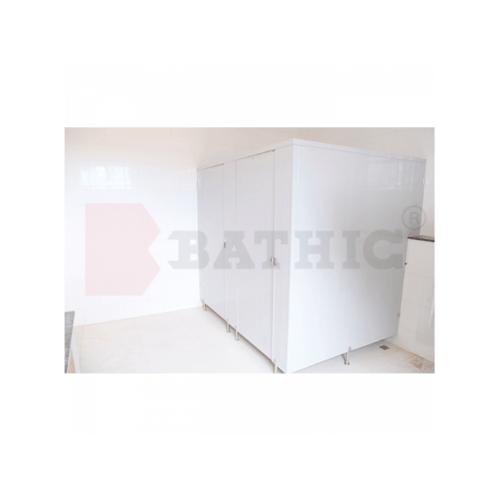 BATHIC ผนังห้องน้ำพีวีซี แผงพาร์ทิชั่น 150x180 cm.สีครีม BATHIC PT