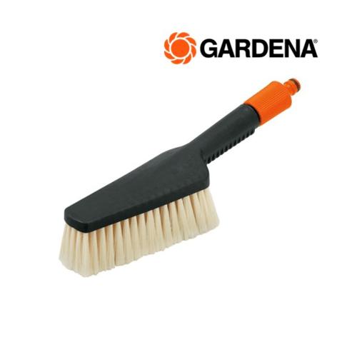 GARDENA  แปรงทำความสะอาดสามารถต่อกับสายยางได้  00984-20