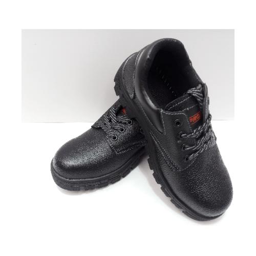 Protx  รองเท้าเซฟตี้ พื้นเหล็ก เบอร์ 40  PT101 สีดำ